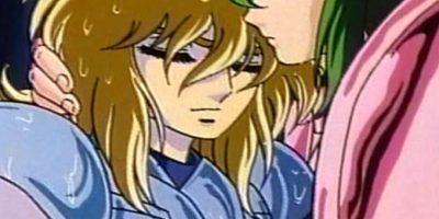 """Shun, por su armadura y debilidad, en particular por esta escena, es considerado """"gay"""" por los televidentes. Foto:Shueisha"""