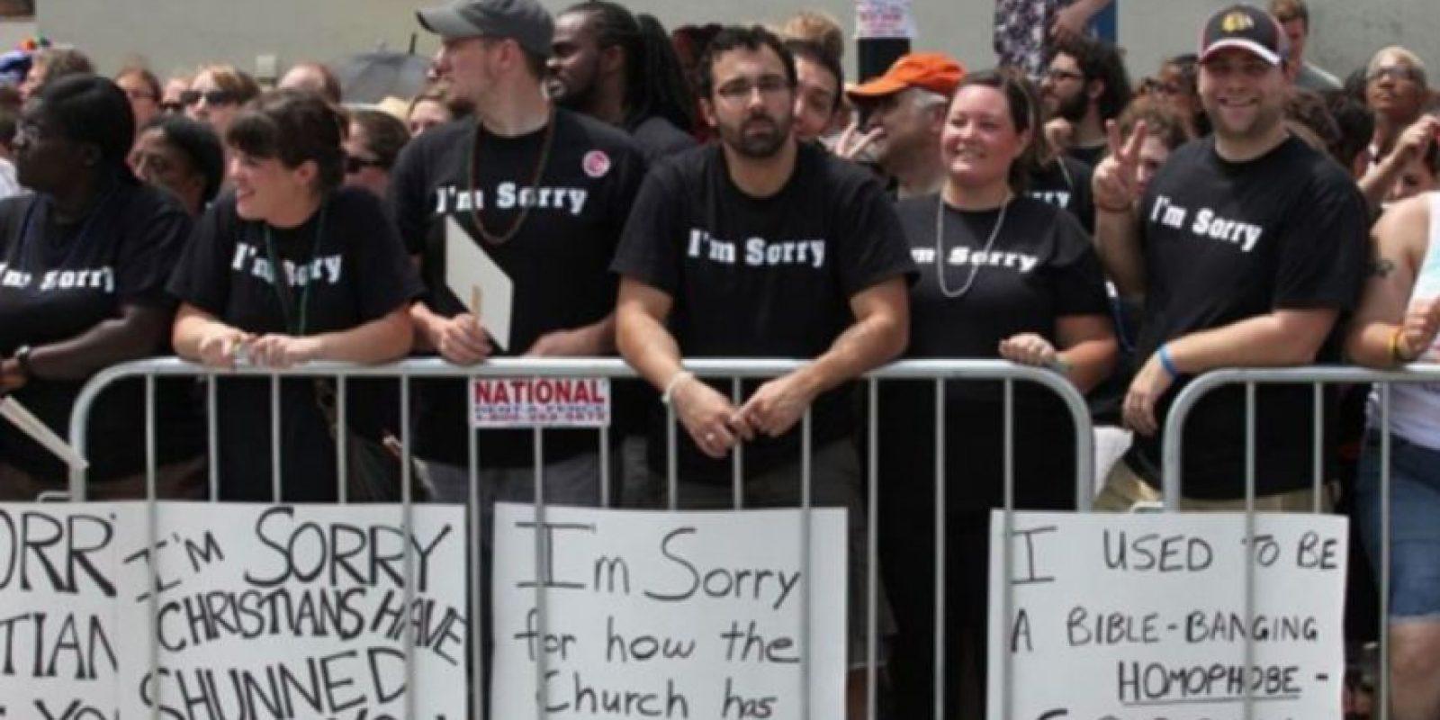 Varios cristianos disculpándose por su homofobia Foto:Tumblr