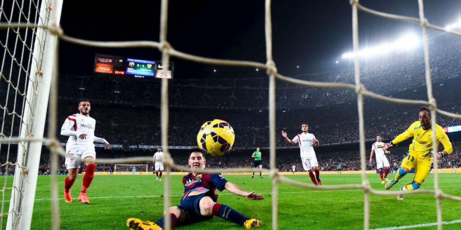 Único jugador que ha sido máximo goleador y máximo asistente en la misma temporada: 50 goles y 15 asistencias (empatado con el madridista Özil) en la Liga 2011/12. Foto:Getty Images