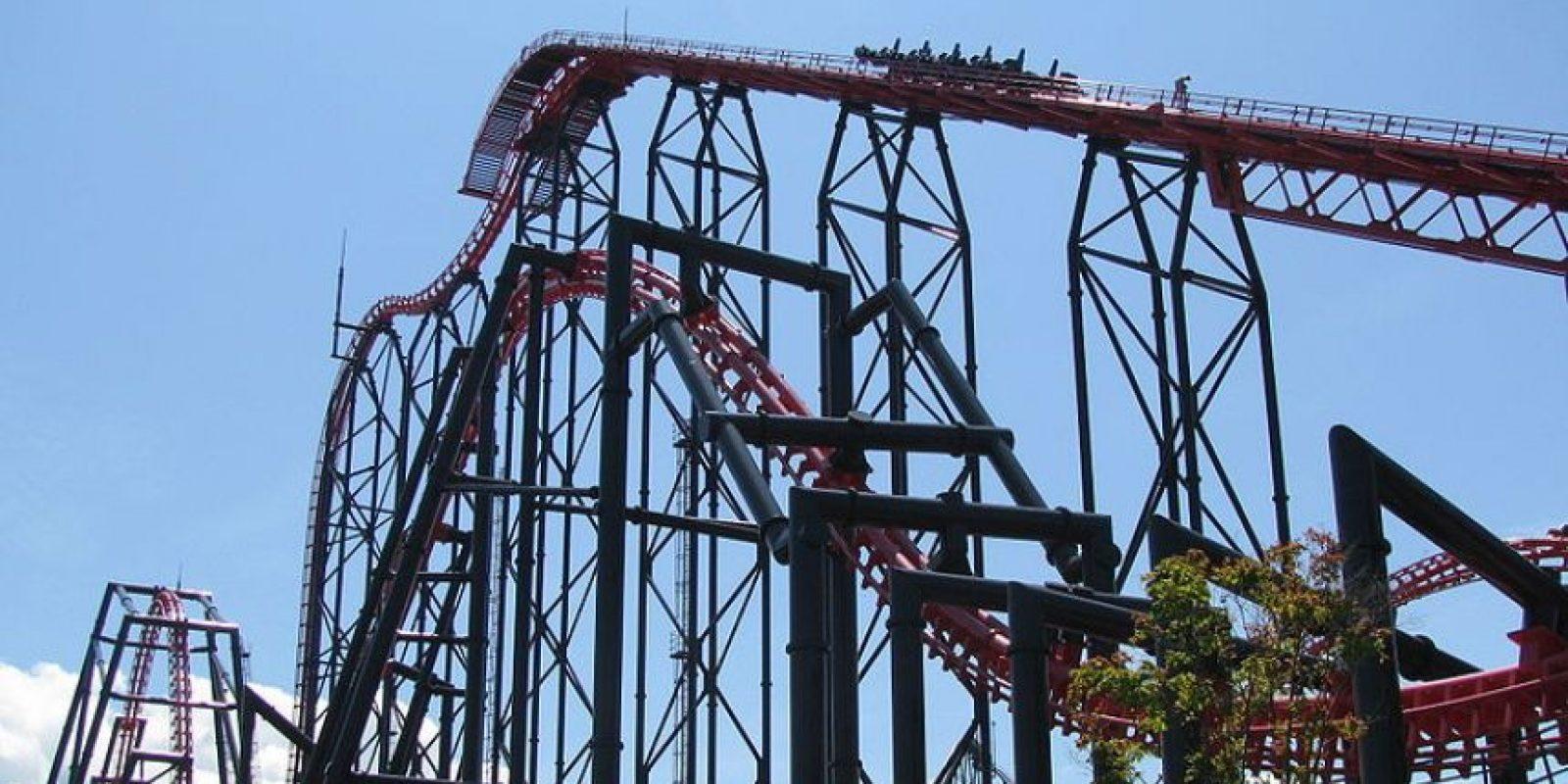 Parque: Fuji-Q Highland. Localización: Fujiyoshida,Yamanashi,Japón. Altura: 76 m. Velocidad: 126 km/h. Longitud: mil 153 m Foto:Wikimedia