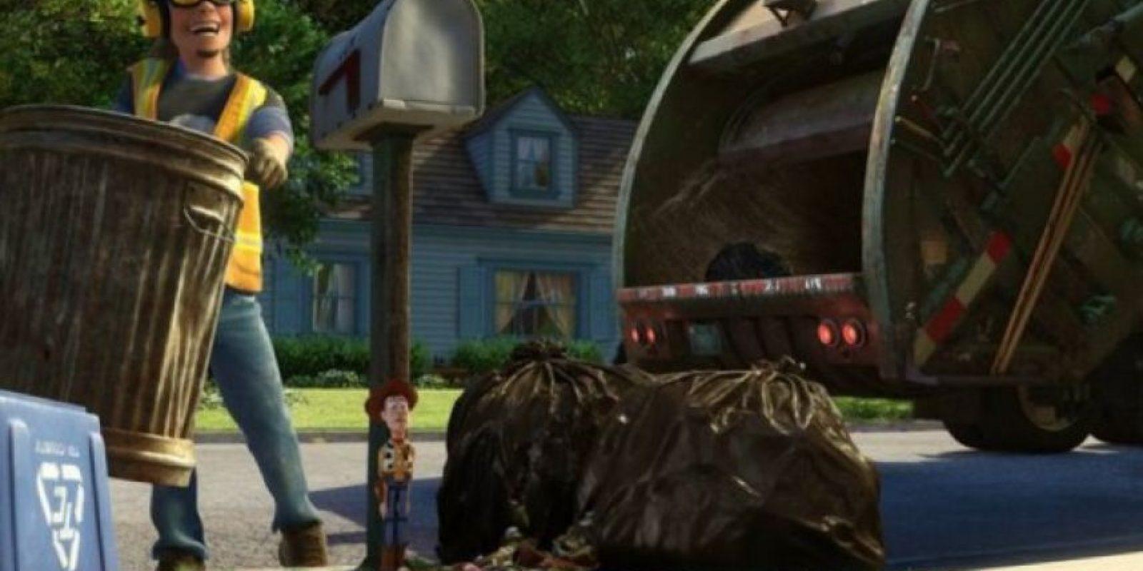 """11.- Sid realizó un cameo en """"Toy Story 3"""", aparece como el hombre que recoge la basura. Foto:Twitter"""