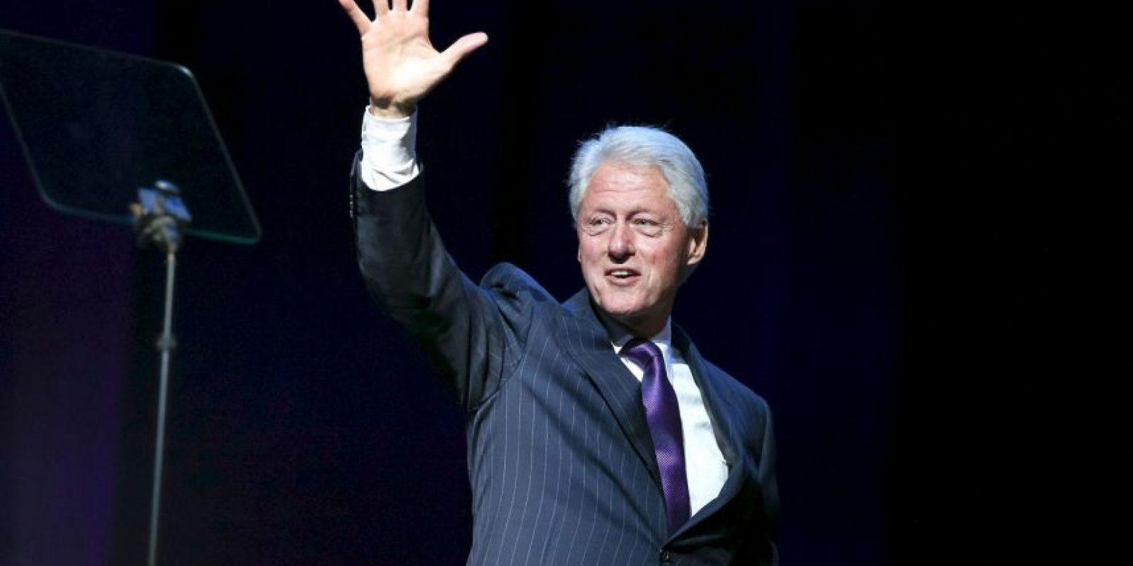 De acuerdo a información de CNN, el padre biológico de Clinton murió antes de su nacimiento. Su padrastro le dio el apellido y lo crió Foto:Getty Images