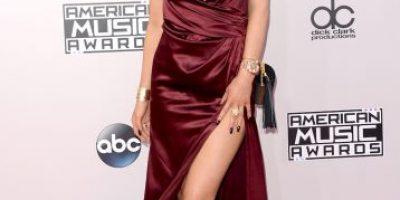 FOTOS: Las famosas descubren sus piernas en los American Music Awards