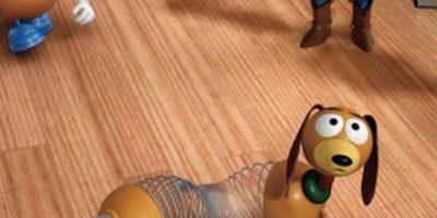 """14.- Blake Clark prestó su voz a """"Slinky Dog"""" después de que Jim Varney muriera en el año 2000 Foto:Facebook/Toy Story"""