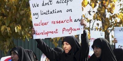 """Las pancartas decían: """"Nunca vamos a permitir que se pare el crecimiento científico del país"""". Foto:AP"""