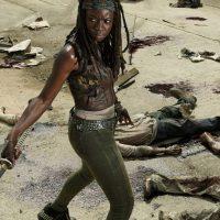 En el cómic ella aparece en una prisión, mientras que en la serie, rescata a Andrea y posteriormente se une a Rick y al resto del grupo. Foto:AMC
