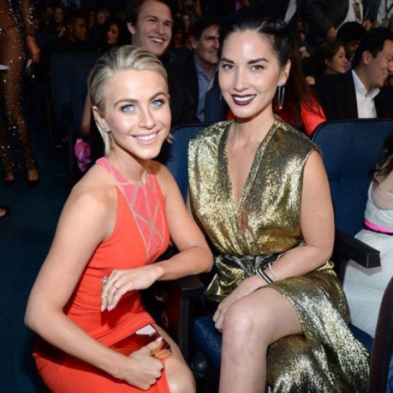 Julianne Hough y Olivia Mom Foto:Instagram @theamas