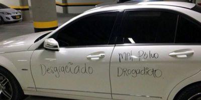 Esta mujer en Colombia rayó el auto de su exnovio. Foto:Facebook/Zona Cero