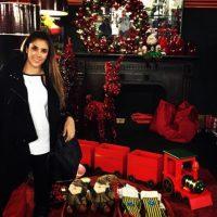 Aquí, haciendo preparativos navideños, en una foto reciente. Foto:Instagram/Daniela Ospina