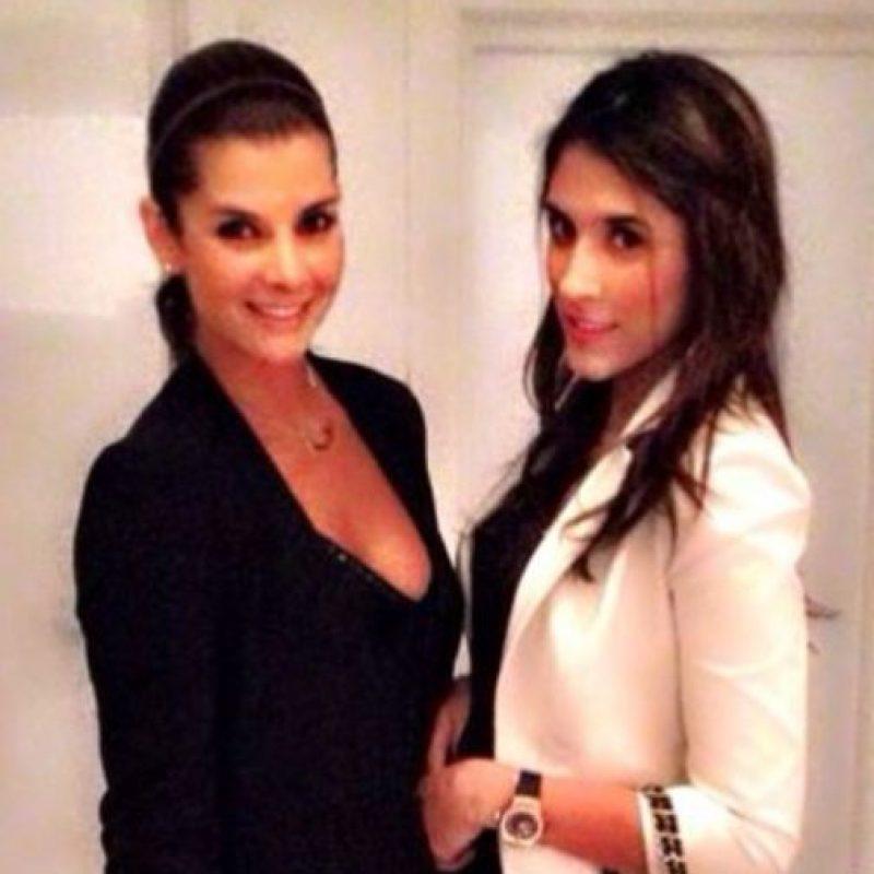 Aquí, con Carolina Cruz, conductora colombiana de televisión Foto:Instagram/Daniela Ospina