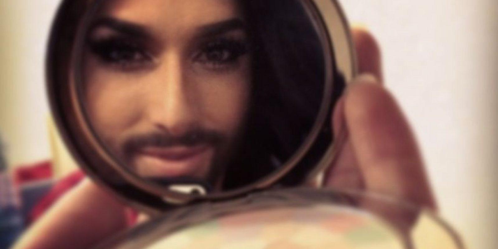 En su biografía afirma que Conchita nació en Colombia. Foto:Instagram/Conchita Wurst