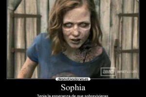 Mientras que en el cómic logra vivir, en la serie Sophia se convierte en un zombie. Foto:Twitter