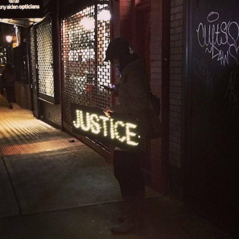 """""""Rezo por el lugar donde nací y me indigno ante la injusticia"""". Foto:Instagram UzoAduba"""