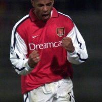 Henry también lo logró con tres equipos: AS Mónaco, Arsenal y Barcelona. Foto:Getty Images