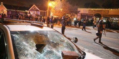 La tensión durante la noche de ayer en Ferguson Foto:Getty Images