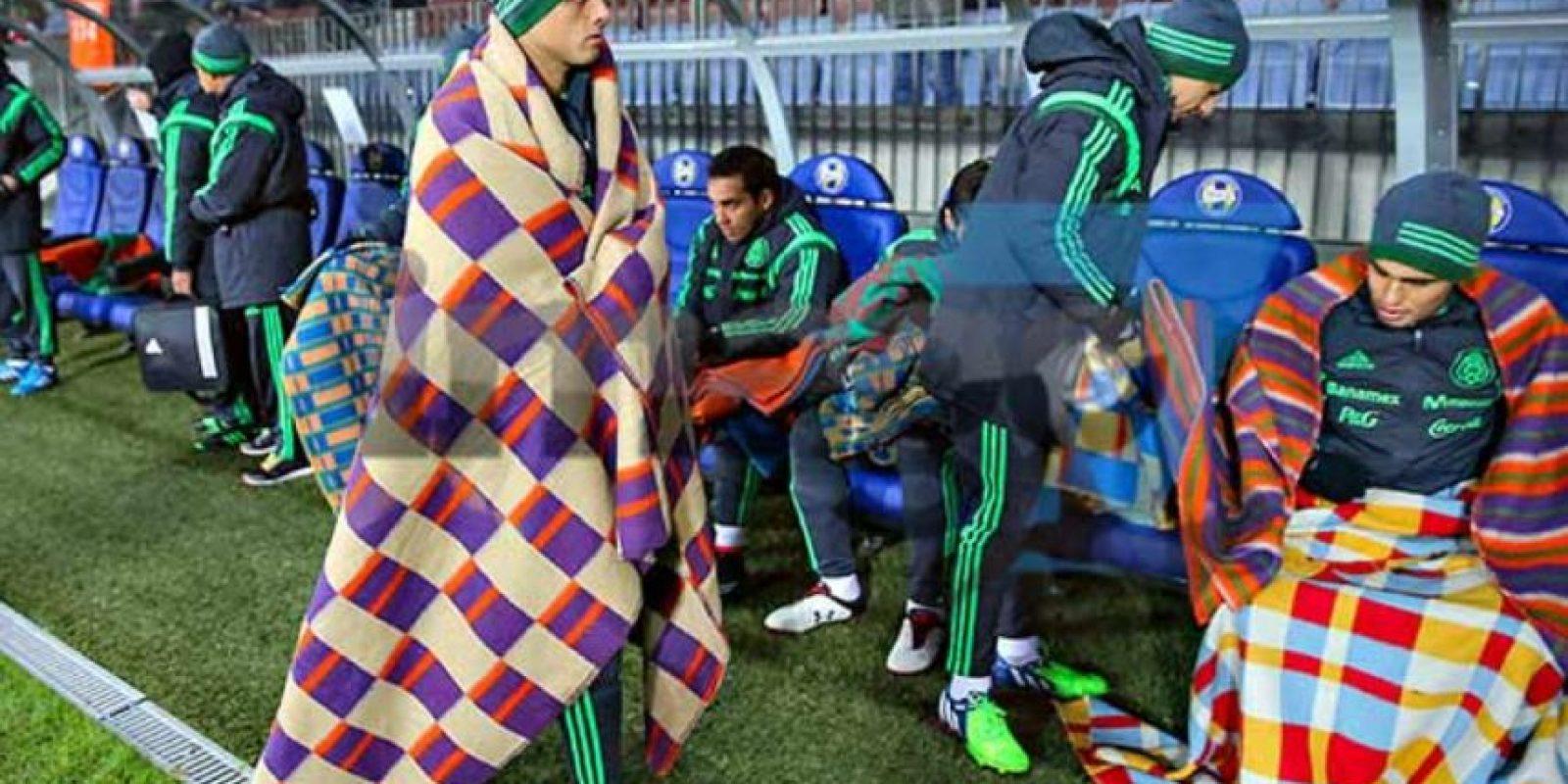 Los verdes optaron por cobijas, en el partido amistoso ante Holanda Foto:Twitter: @juanfutbol