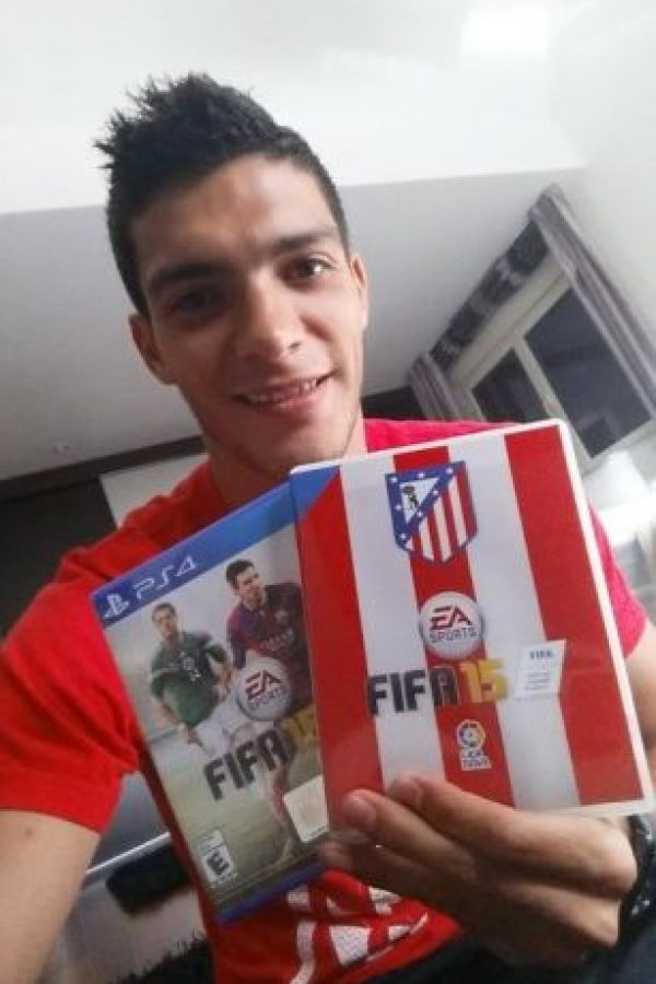Raúl tiene 23 años de edad y forma parte del Atlético de Madrid de España. Foto:twitter.com/Raul_Jimenez9