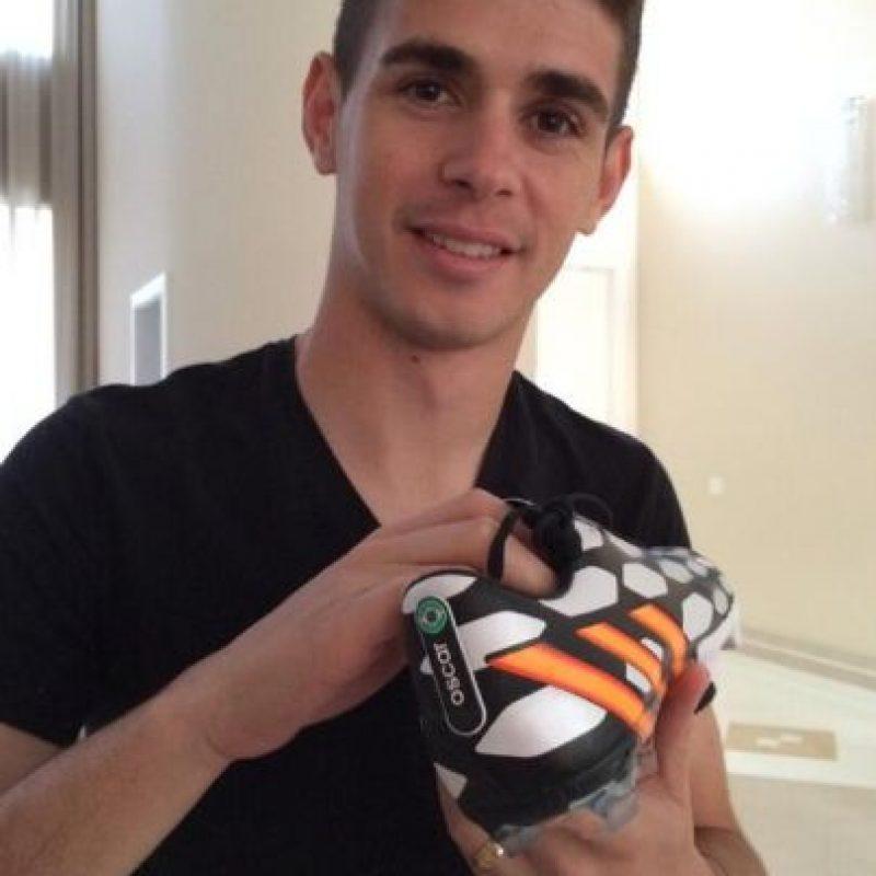 Oscar, con Brasil, se medirá ante Colombia, Perú y Venezuela. Foto:twitter.com/oscar8