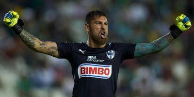 Además de sus increíbles reflejos, el portero mexicano se distingue por la gran cantidad de tatuajes que posee Foto:WWE