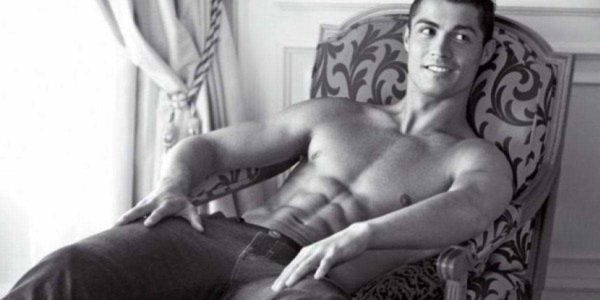 Jugador de la liga inglesa asegura ser más guapo que Ronaldo