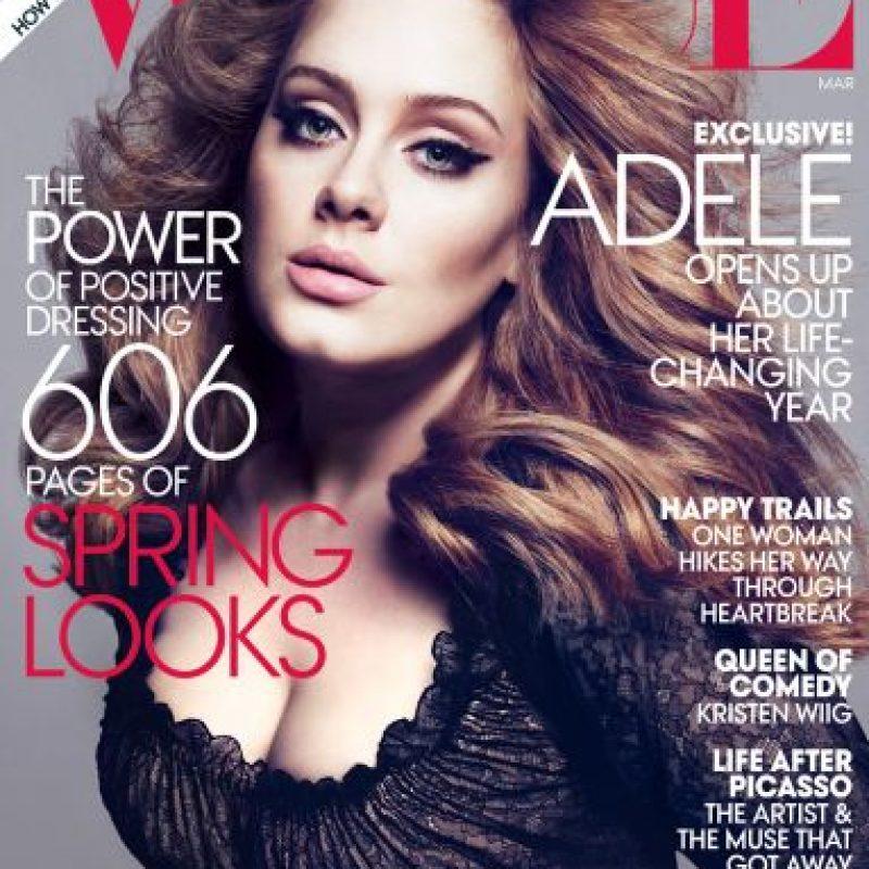 """Adele, en 2012. Una mujer """"plus size"""" en portada Foto:Vogue"""