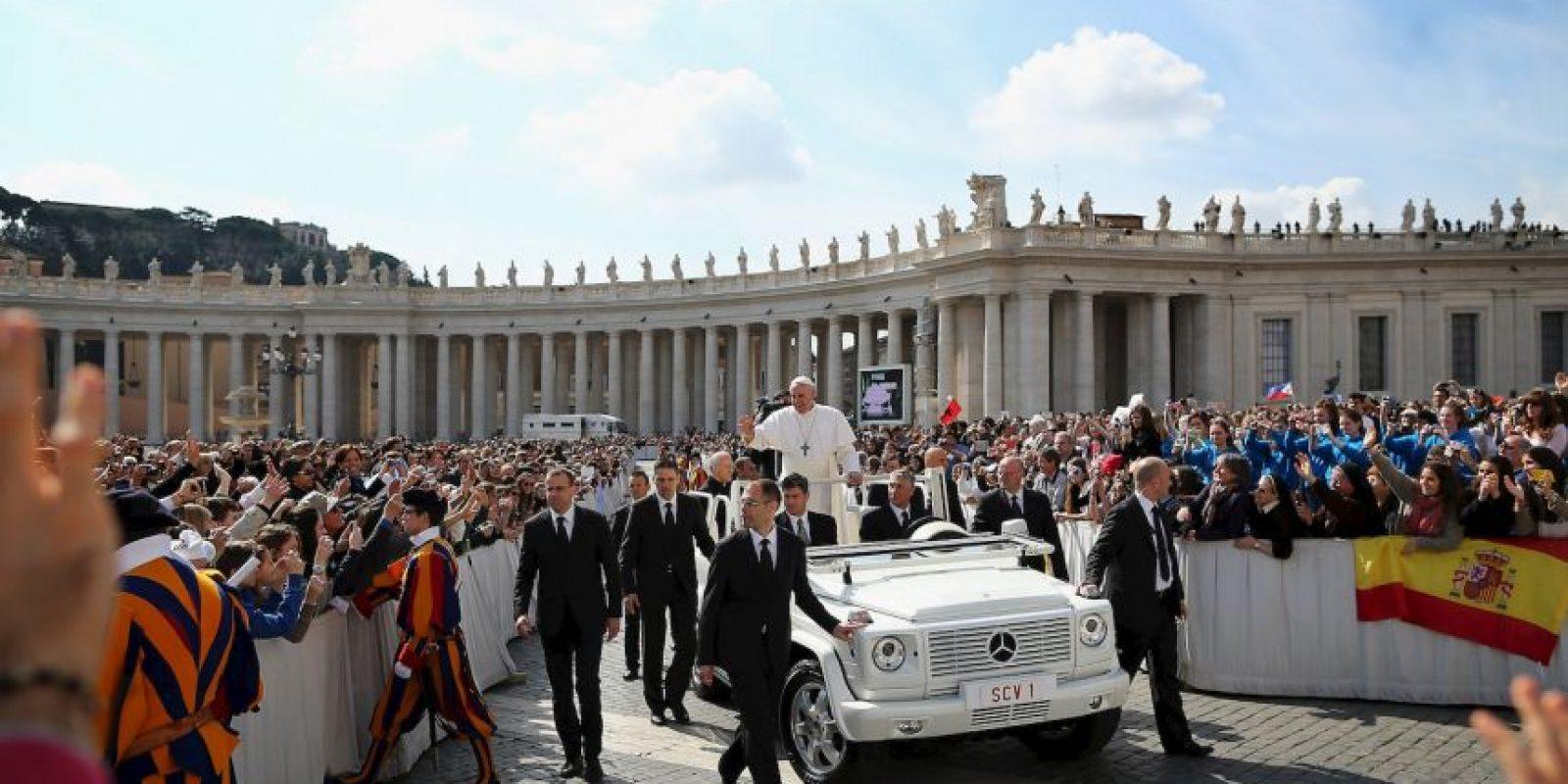 De acuerdo a lo publicado por la revista TIME en 2013, Francisco utiliza un coche usado para transportarse dentro del Vaticano Foto:Getty Images