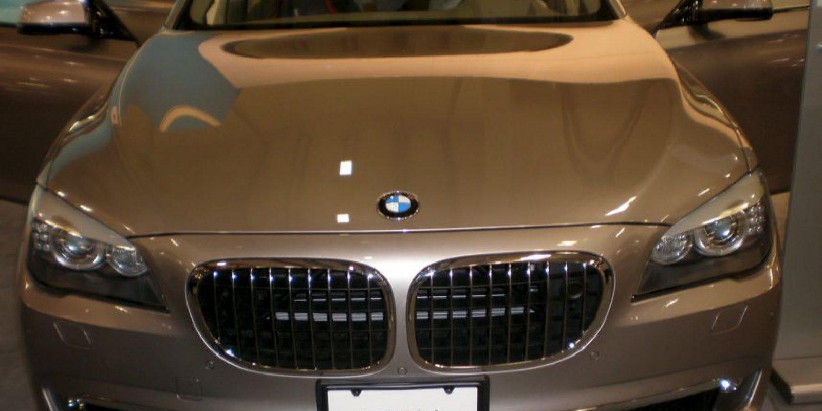 Se moviliza en los lujosos BMW 750Li, donados por el gobierno de Estados Unidos. Foto:Wikimedia.org