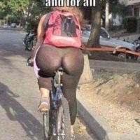 Leggings + Bici. Una combinación ganadora. Foto:Poorly Dressed