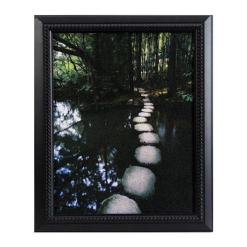 En un cuadro o fotografía que conserve las cenizas del difunto. Foto:cremationsolutions.com