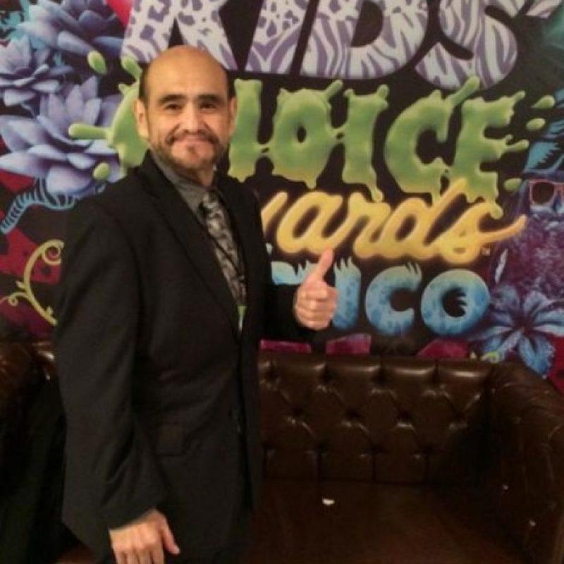 """""""Previo al reconocimiento otorgado por NICKELODEON en los Kids' Choice Awards México 2014"""" Foto:facebook.com/edgarvivaroficial"""