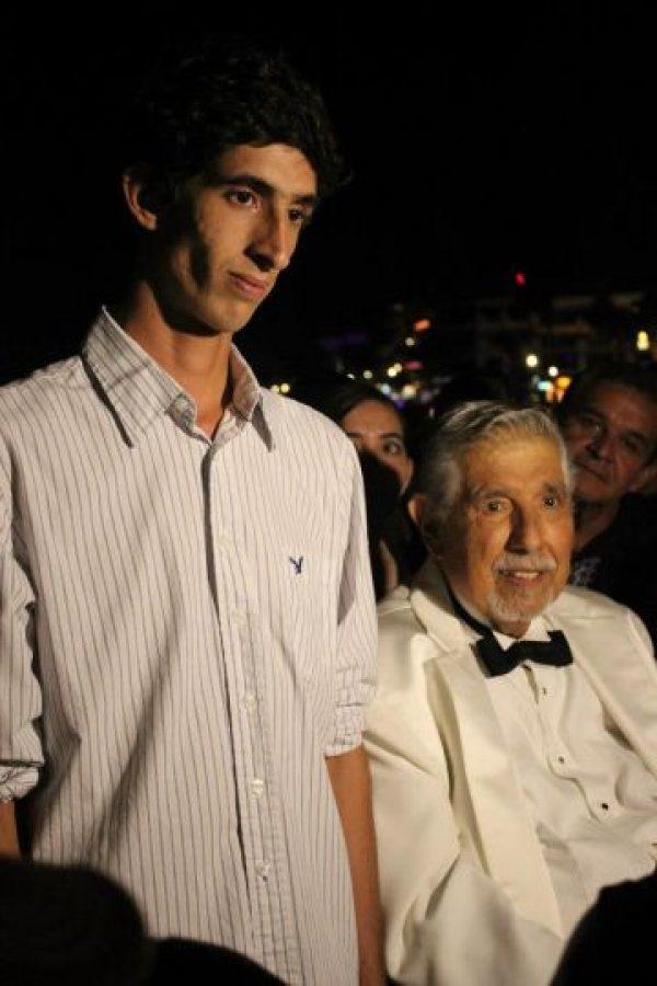 Este es uno de mis nietos, se llama Rubèn. Todito a su abuelo! Foto:facebook.com/pages/El-profesor-Jirafales/530057867102235
