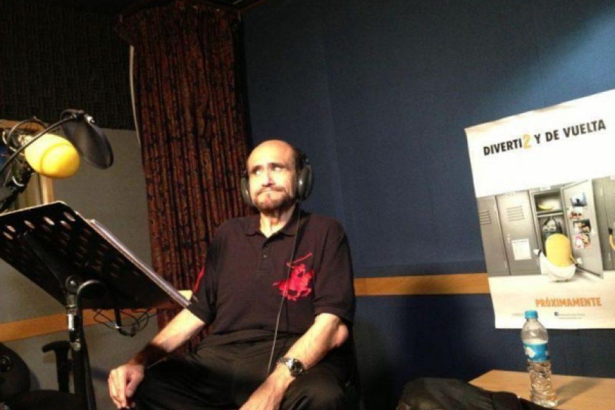 En la grabación del doblaje de Silas Pietraseron, mi personaje en #MiVillanoFavorito2 Foto:facebook.com/edgarvivaroficial