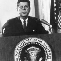 """El objetivo de """"Famous Deaths"""", es representar la muerte de Kennedy desde el olfato y sin imágenes. Foto:Getty Images"""