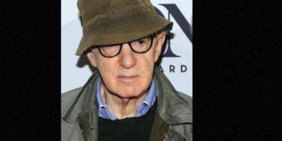 Woody Allen: Después de divorciarse de su esposa, la actriz Mia Farrow, la mujer lo demandó por haber violado a su hija Dylan Foto:Getty Images