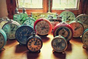1. No hemos dormido bien o las horas que descansamos no son las suficientes Foto:Tumblr.com/tagged/despertador