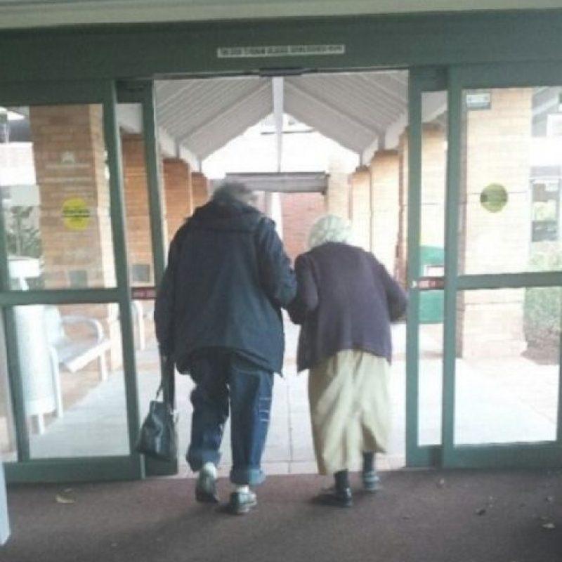 ¡A todos lados, pero juntos! Foto:Tumblr.com/Tagged/amor-abuelos