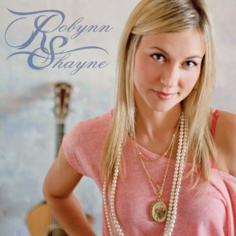 Shayne ya había lanzado un álbum que lleva su nombre y está dedicado a su difunto hermano. Foto:Facebook/Robynn Shayne