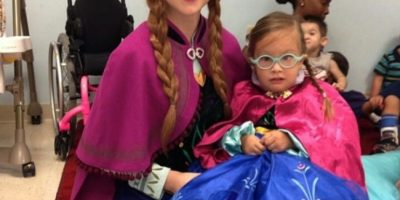 "Su hermana menor, Lexie Faith se encarga de imitar a ""Anna"". Foto:Instagram/Lexiegracelove"