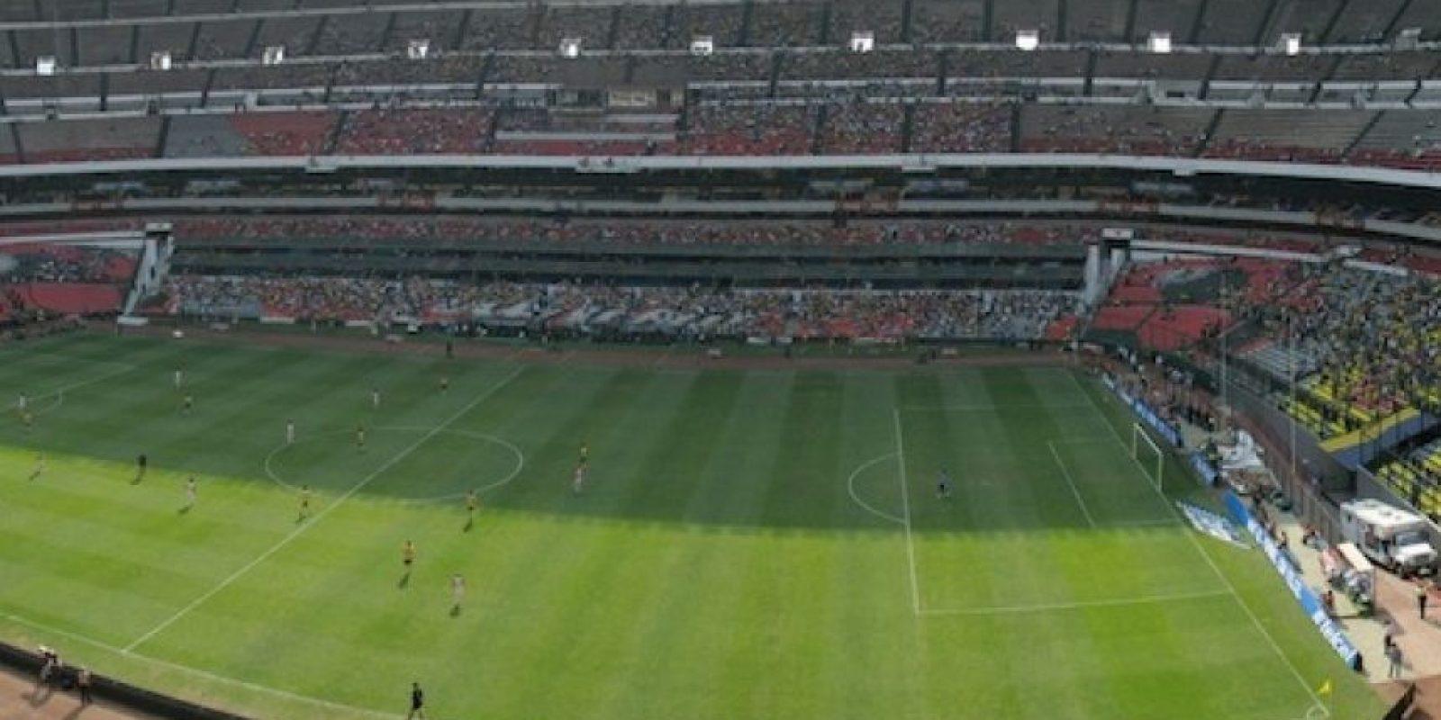 Se afirma que en legendario Estadio Azteca (donde marcó un gol), se le haga un homenaje este 30 de noviembre. Foto:Wikipedia