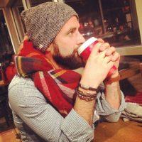 Posar con una foto trascendental con el café. Foto:Instagram