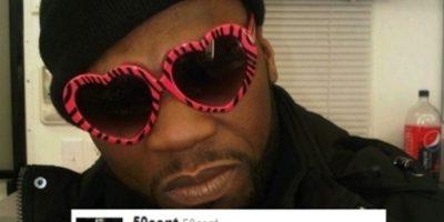 """50 Cent mostrando, con sus gafas de corazón, """"todo su odio"""" Foto:Twitter"""