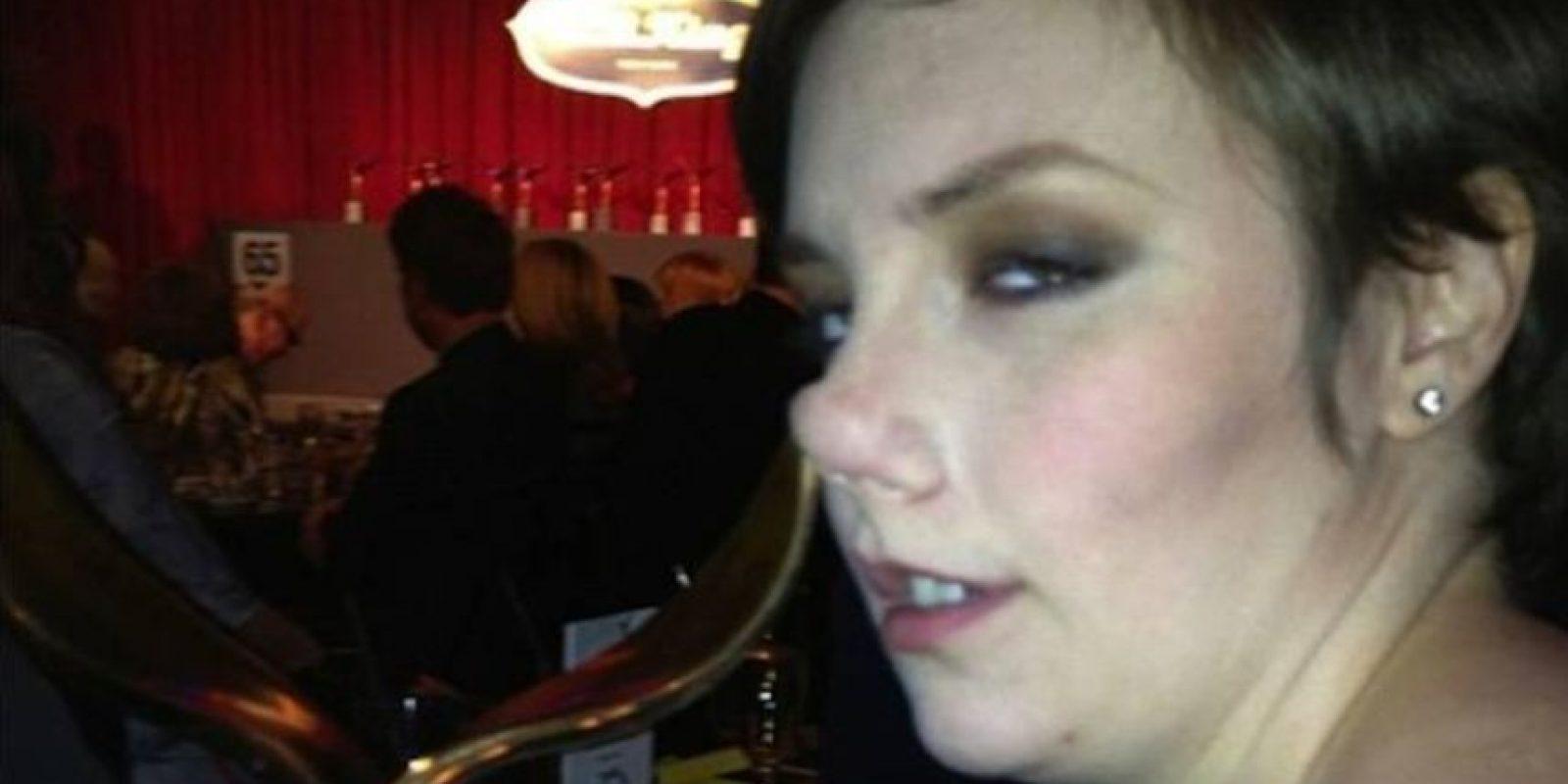 Lena Dunham también toma copas. Pero por la nariz. Foto:Instagram