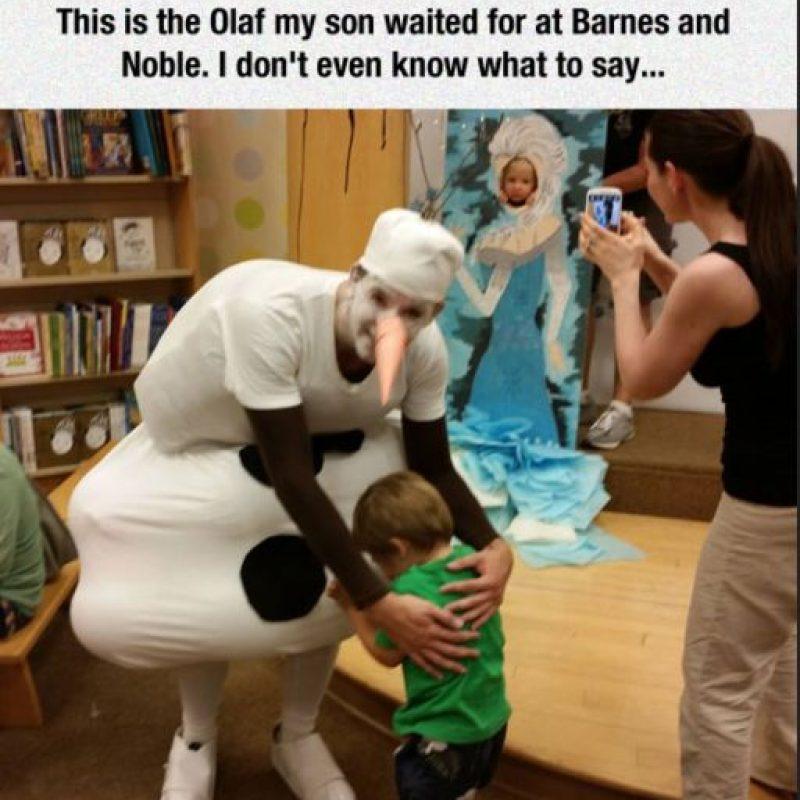 "Otro testimonio de un padre que se indignó porque ""Olaff"" asustó a su hijo. Foto:Imgur"