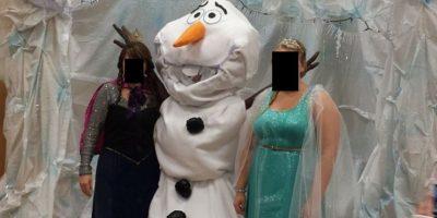 Elsa y Anna vinieron en otras formas. Foto:Imgur