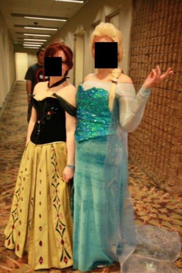 Les faltó algo para llegar a tener un disfraz aceptable. Foto:Imgur