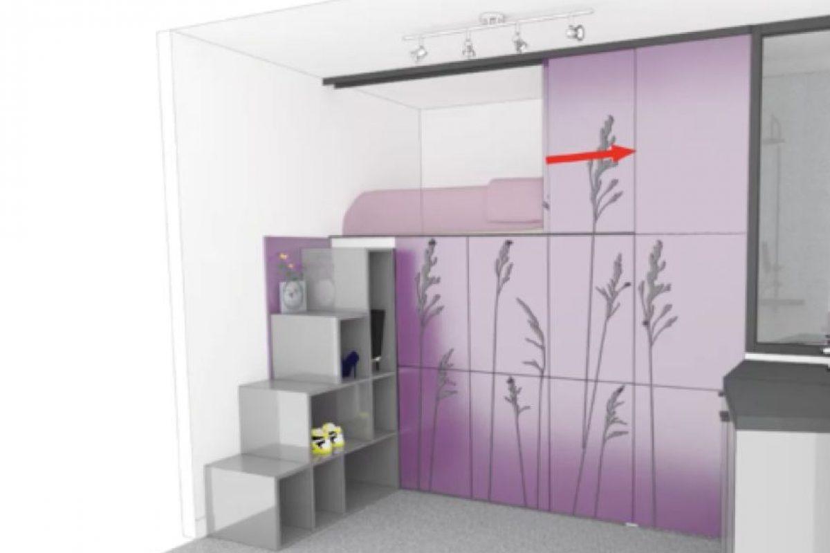 Este innovador coloca la cama en la parte superior y unas escaleras que sirven como estantes. Foto:Vimeo/Kitoko