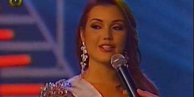 """Jennipher Bortolas concursa por Miss Venezuela en 2008 y le preguntan por qué debe ganar. Ella dice: """"mis cualidades son evidentes"""" Foto:Venevisión"""
