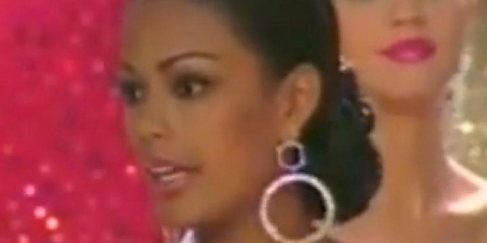 """Mónica Caicedo, Señorita Cauca en Miss Colombia 2000 respondió así la siguiente pregunta ¿A qué personaje le gustaría conocer? """"Definitivamente me gustaría conocer a Lady Di… afortunadamente ya se murió"""" Foto:RCN"""