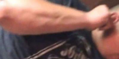 Un hombre sufrió con una polilla en su oreja. Foto:Youtube