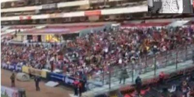 """""""ChesChespirito tuvo un homenaje privado en Televisa y luego su cuerpo fue trasladado al estadio Azteca, donde se le homenajeó con una ceremonia religiosa y mariachispirito"""" tuvo un homenaje privado en Televisa y luego su cuerpo fue trasladado al """"Estadio Azteca"""", donde se le homenajeó con una ceremonia religiosa y mariachis Foto:Twitter/TelevisaTvMX"""